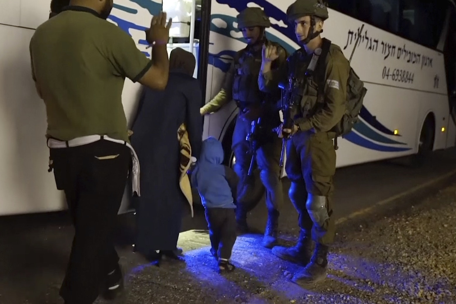 Israel rescues Syrian volunteers stranded in frontier area
